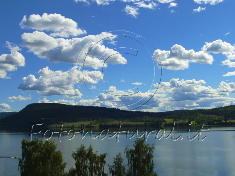 p10-clouds-over-a-norway-lake